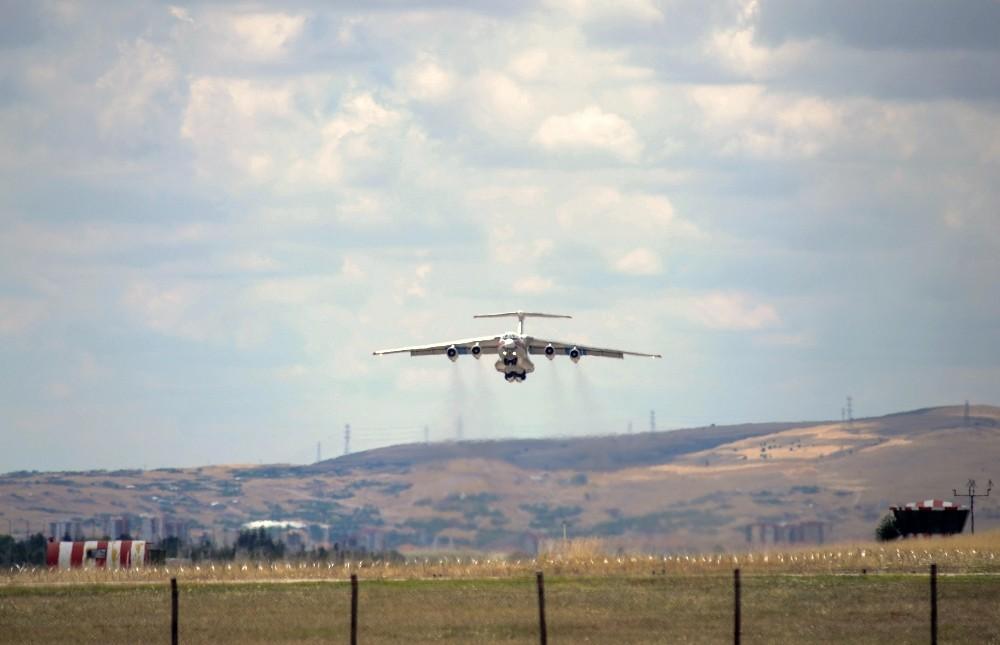 S-400 hava savunma sistemleri için 3 uçak Türkiye'ye indi