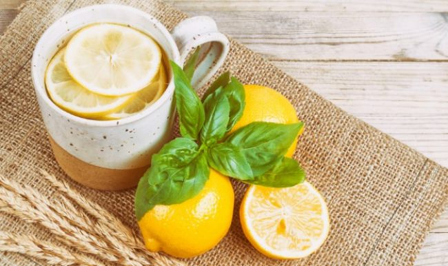 Sabah limonlu sıcak su içince!