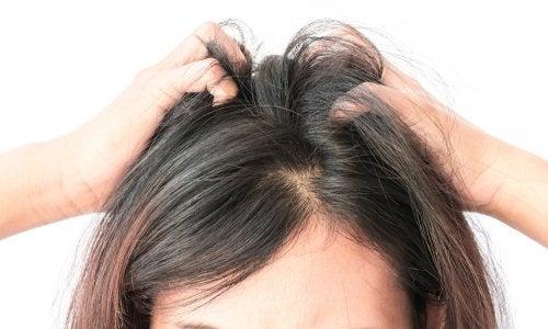Saç derisi kaşıntısı için ne yapmalı?