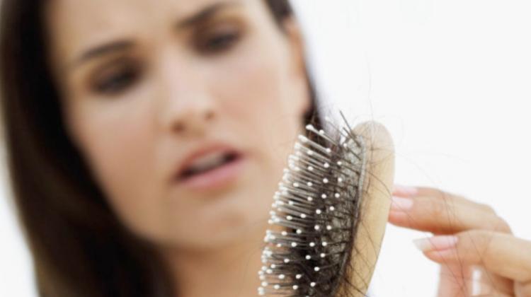 Saç dökülmesini bu besinlerle durdurun!
