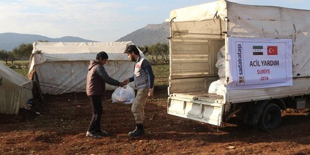 Sadakataşı'ndan Suriyeli 1000 aileye gıda paketi