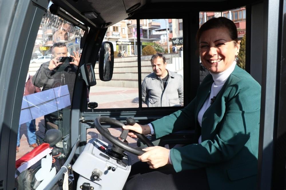 Safranbolu Belediyesi yeni hizmet araçlarını tanıttı