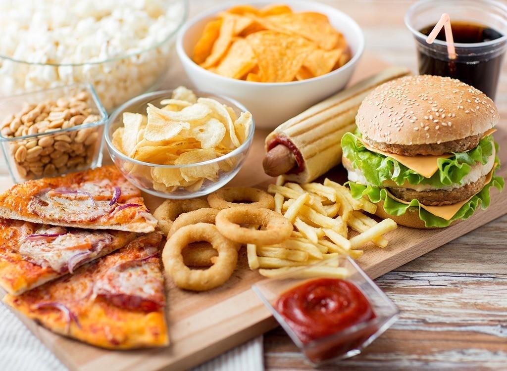 Sağlığımızı ciddi derecede bozan besinler