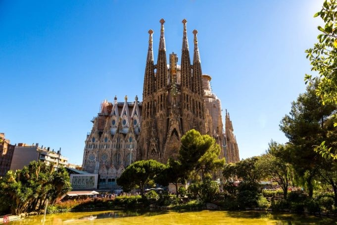 Sagrada Familia nerede bulunur?