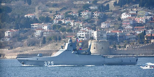 Sahil Güvenlik eşlik etti! Rus askeri gemisi Boğaz'dan geçti