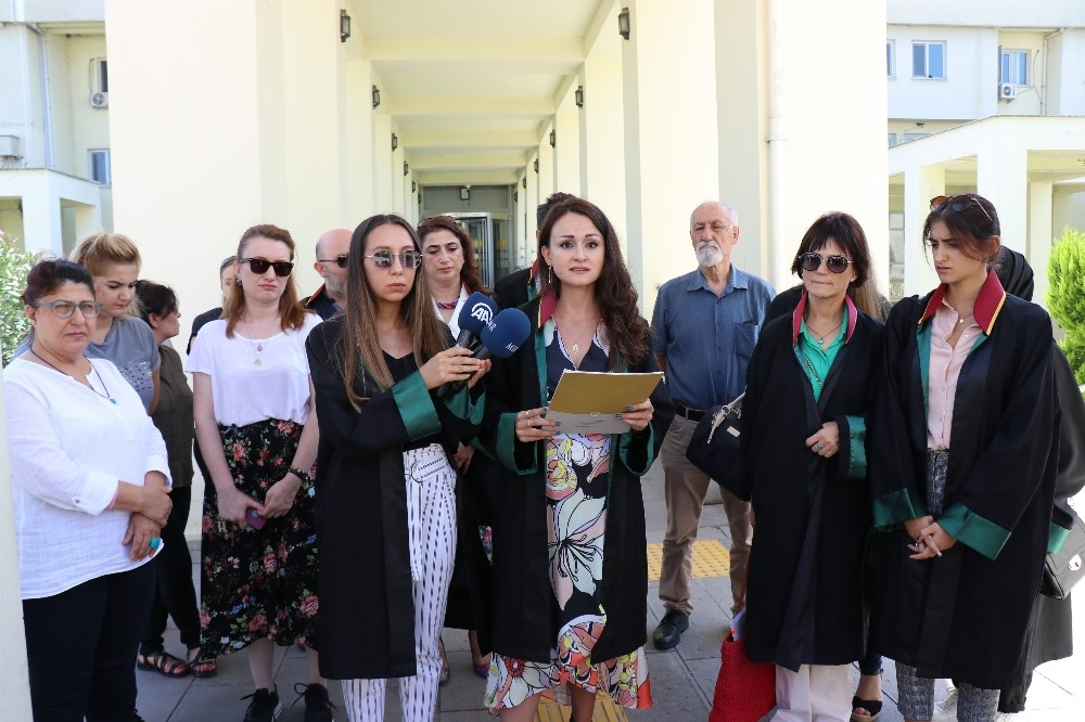 """Sakarya Barosu Kadın Hakları Merkezi Başkanı Avukat Betül Uruk: """"Ülkemizde son günlerde kadınlara yönelik şiddetin vahim bir şekilde arttığını görmekteyiz"""""""
