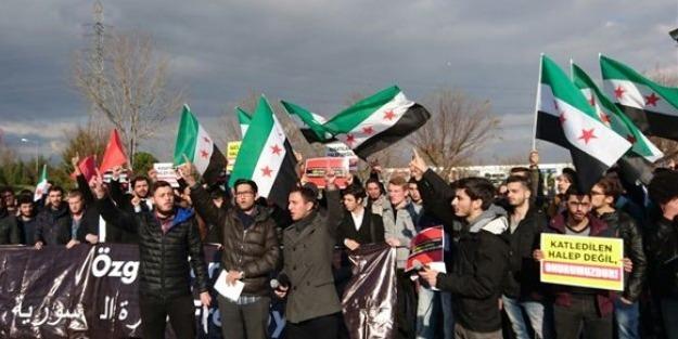 Sakarya Üniversitesi'nde gençler Halep için toplandı!