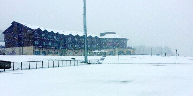 Batı'da iki ilimize kar yağdı