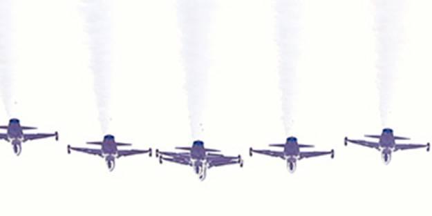 Sakarya'da dikkat çeken anlar! Uçaklar aynı anda havalandı