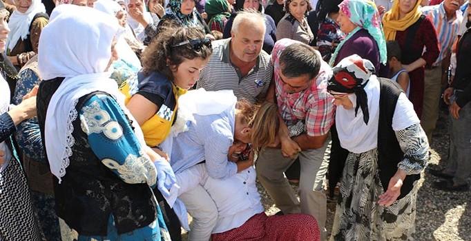 Sakarya'da ölen fındık işçilerinin cenazesinde feryadlar yürekleri sızlattı