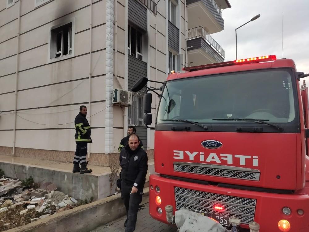 Samandağ'da ev yangını