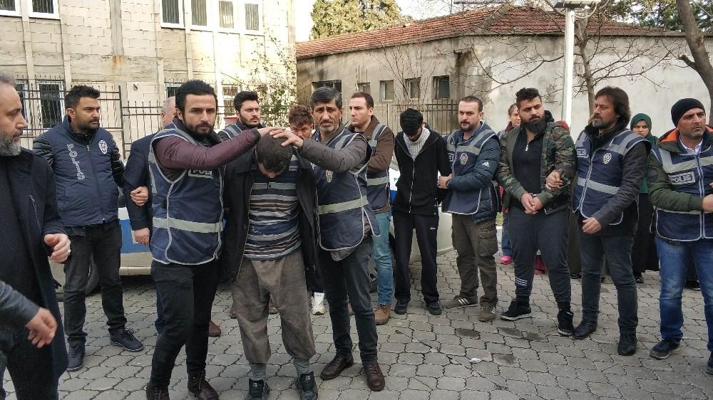 Samsun'daki vahşetin şüphelisi 12 Iraklı adliyede