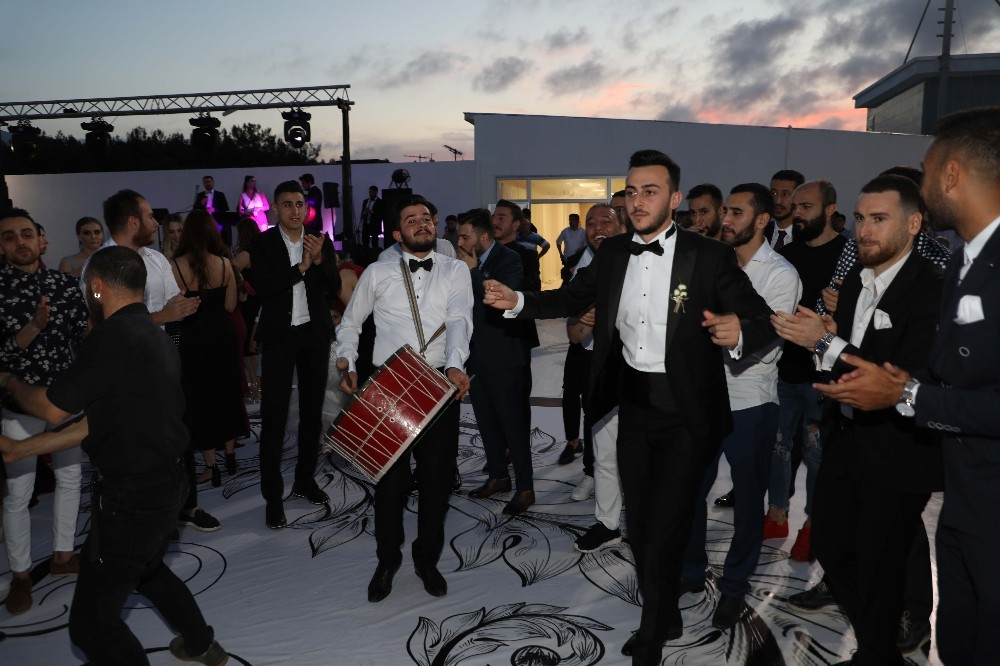 Samsunspor'un kalecisi Furkan Köse evlendi