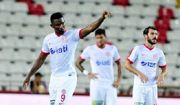 Samuel Eto'o, Antalyaspor'da bir ilki yaşadı