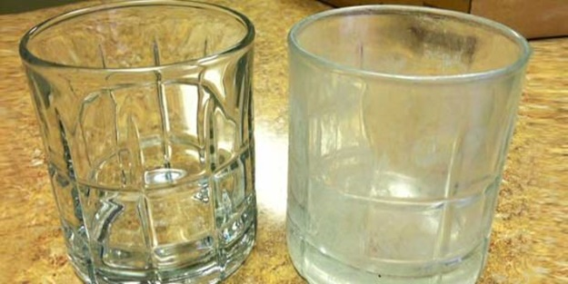 Sararmış bardakların temizliği nasıl yapılır?