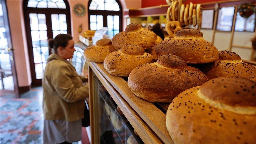Saraybosna'nın bayrama özel lezzetli ekmeği: Paklama