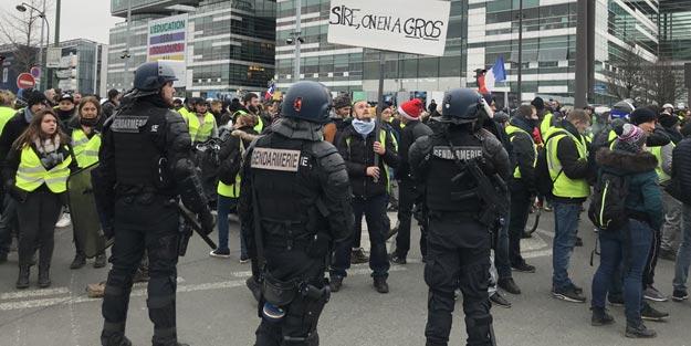 Sarı yelekliler yeniden sokaklarda! Onlarca kişi gözaltına alındı