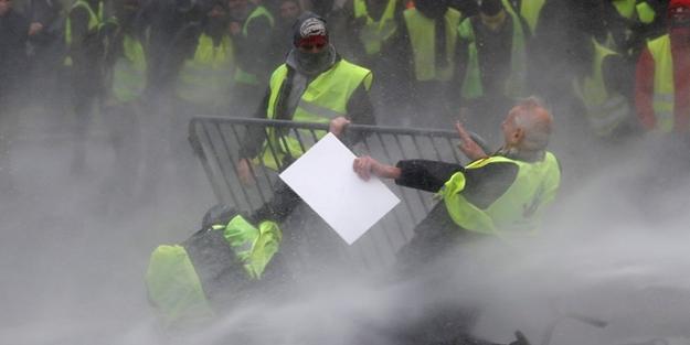 'Sarı yelekliler'in protestosu AB Başkenti'ne sıçradı
