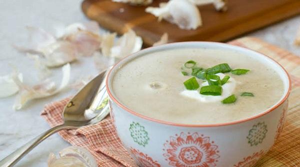 Sarımsak çorbası nasıl yapılır? Sarımsak çorbası tarifi