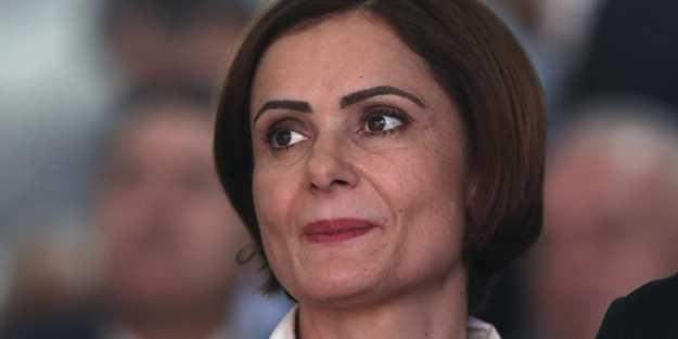 Savaş başladı o sustu! 'Ermeni sever' Canan kafayı kuma gömdü
