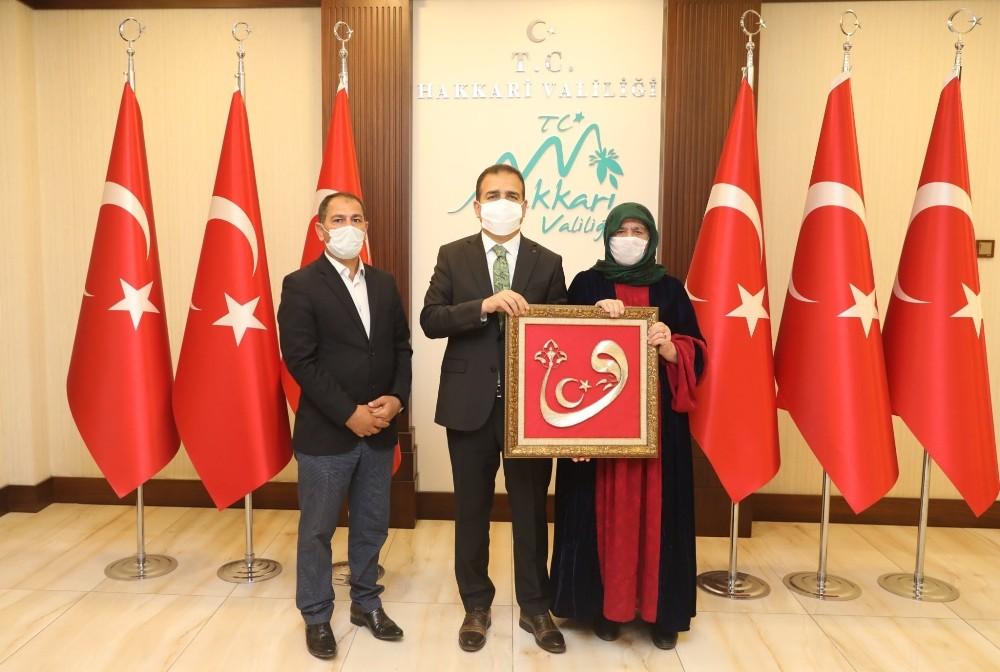 Şehit ailesinden Vali Akbıyık'a ziyaret
