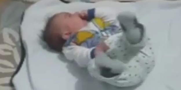Sehit bebeğin son görüntüsü yürekleri parçaladı
