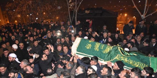 Şehit edilen Nakşibendi Şeyhi Abdulkerim Çevik'i binlerce seveni uğurlardı