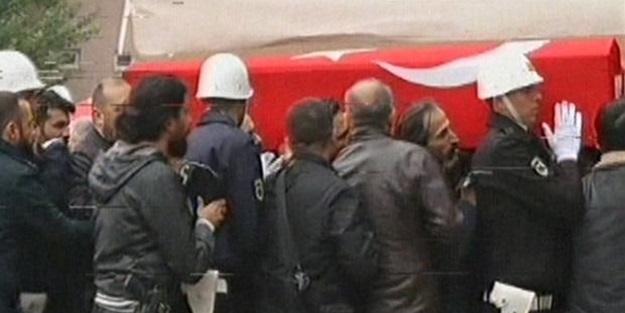 Şehit polisler son yolculuğuna uğurlandı