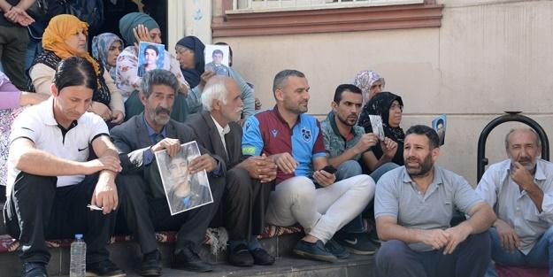 Şehit yakınları ve Gazilerden Diyarbakır'daki annelere tam destek: Sanatçı bozuntuları ile sözde akademisyenler nerede?