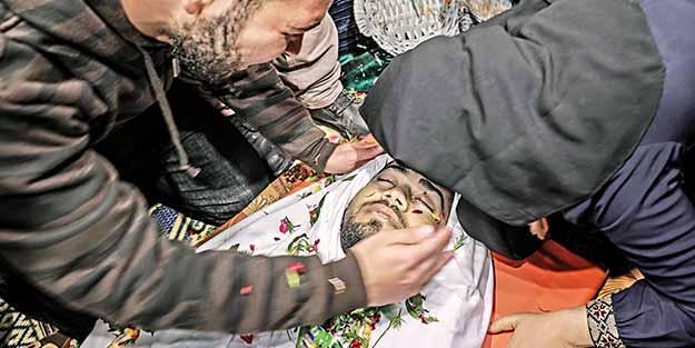 Şehitler dualarla uğurlandı! İsrail, Gazze'yi, azar azar öldürüyor