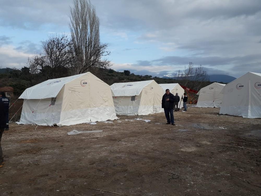 Selçikli Mahallesi'nde deprem çadırları kuruldu