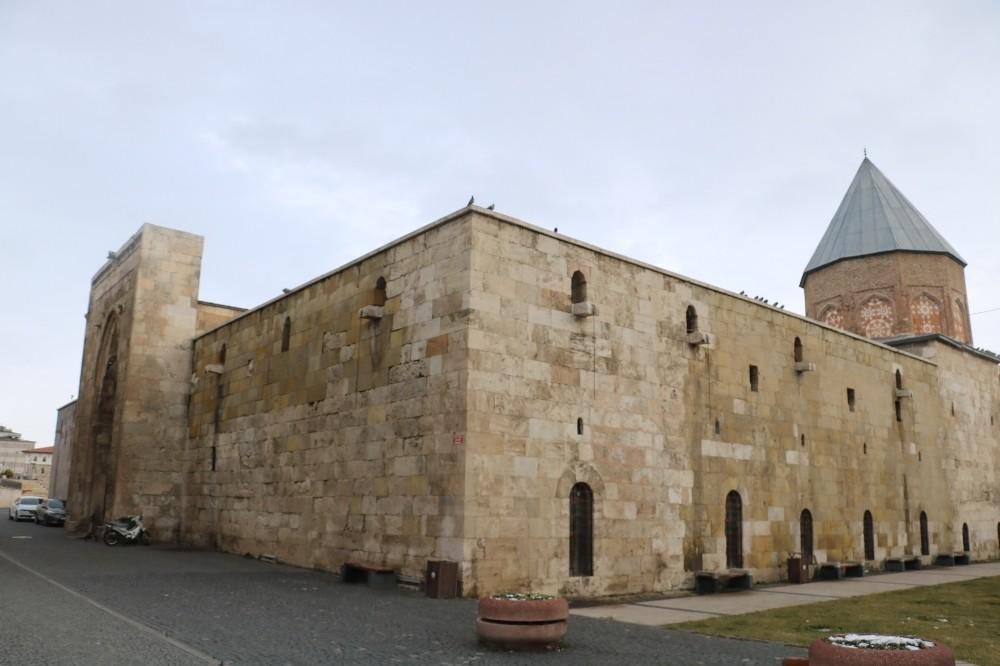 Selçuklu sultanı, vefatının 800. yılında kabri başında anıldı