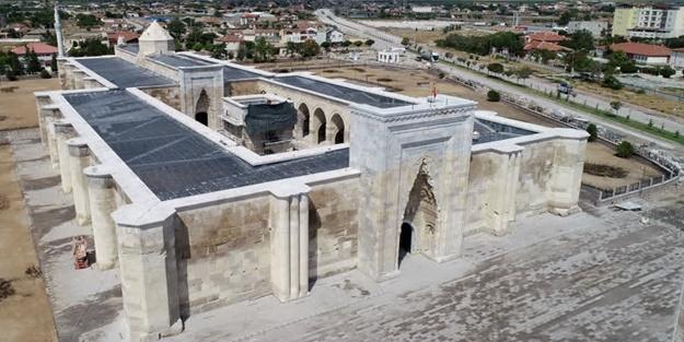 Selçuklu'nun eşsiz eserlerinden: Sultanhanı Kervansarayı