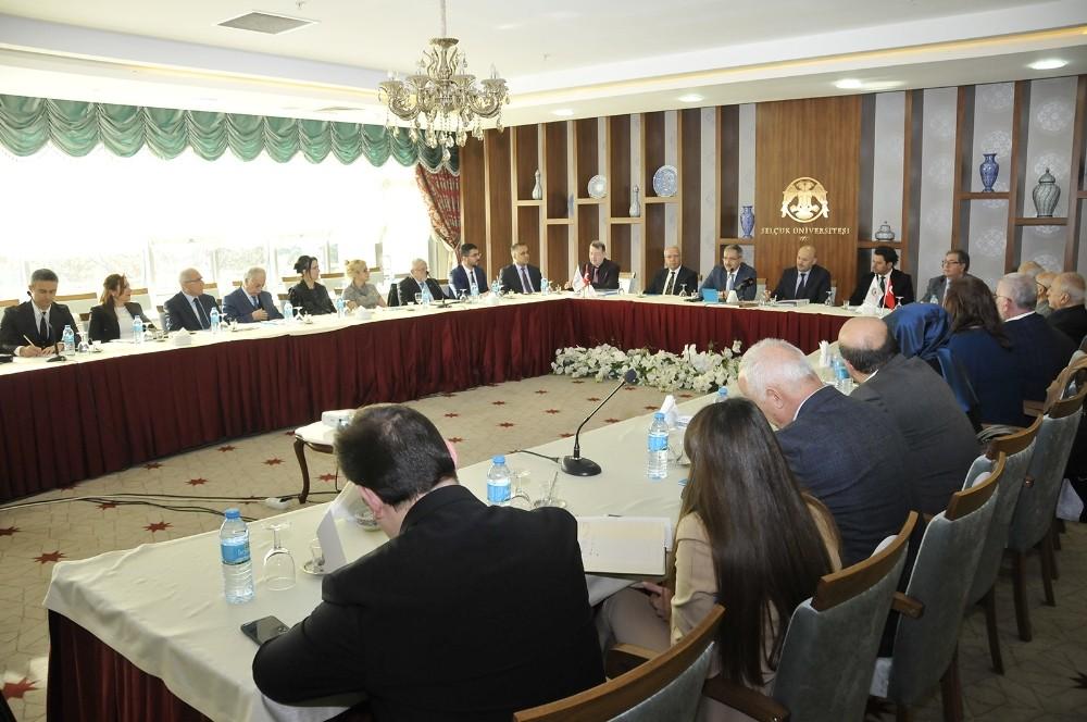 Selçuk'ta 'Küresel Sağlık ve Yaşlılık Diplomasisi Çalıştayı' yapıldı