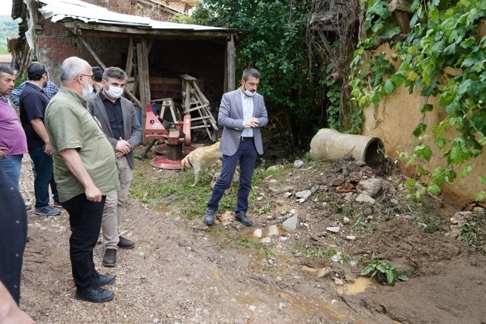 Selin vurduğu köye Başkan Tanır'dan destek