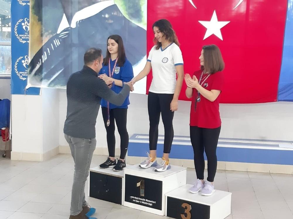 Serbest dalışta 11 Türkiye rekoru kıran sporculara ödülleri verildi