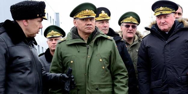 Rus askerler kışlalarına döndü