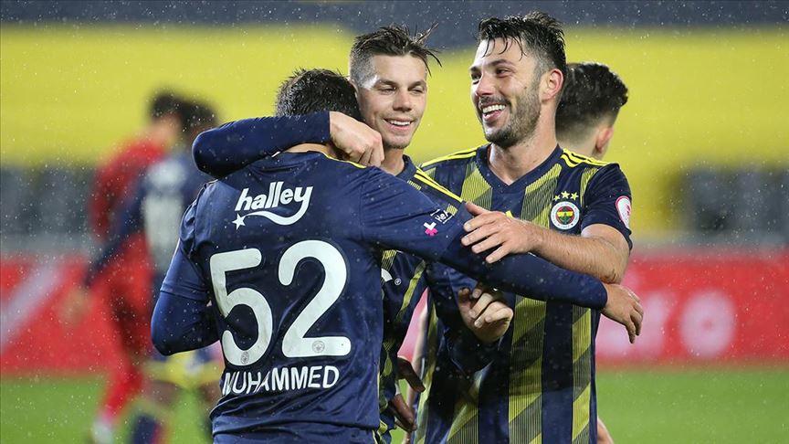 Sessiz maçta Fenerbahçe İstanbulspor'u 4 golle yendi