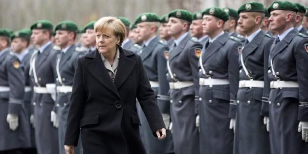 Sessiz sedasız Avrupa ordusunu kuruyor