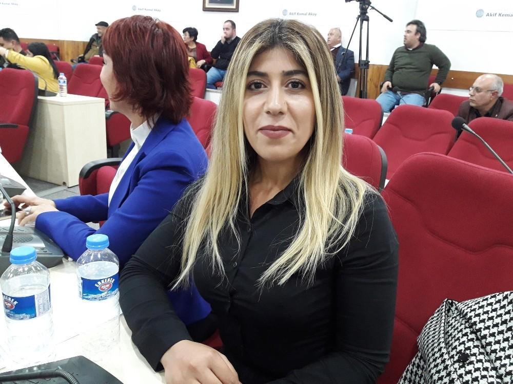 Seyhan Belediye Meclisi Katipliğine CHP'li Gülcan Bingöl seçildi