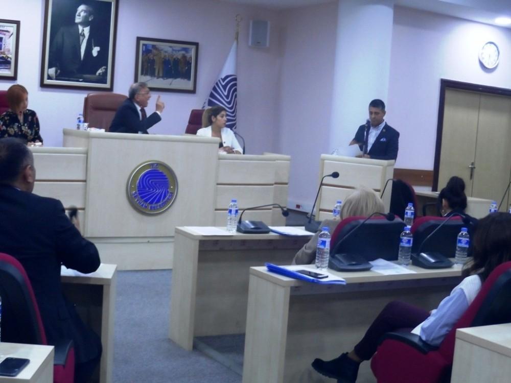 Seyhan Belediye Meclisinde gergin anlar