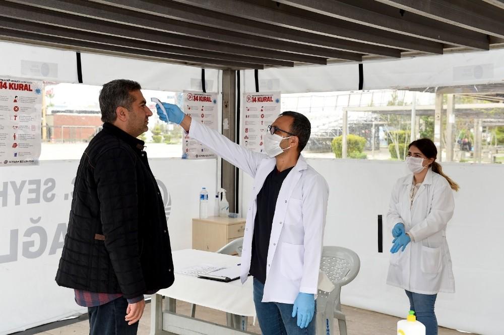 Seyhan Belediyesinden sağlık kabini hizmeti