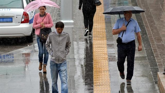 Sıcaklıklar düşecek, şiddetli yağmur geliyor