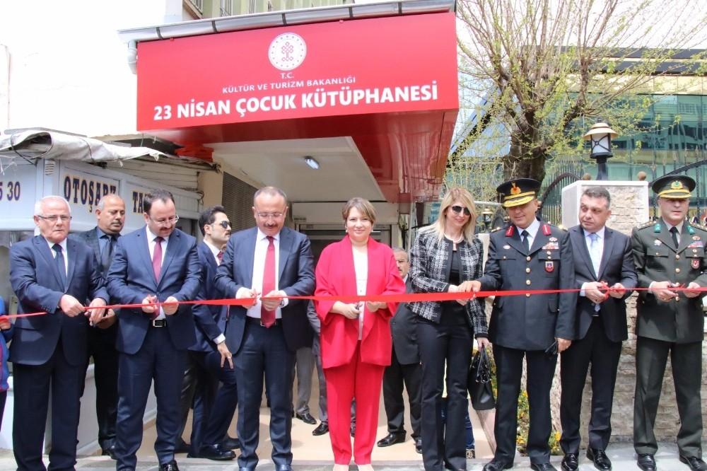 Siirt'te 23 Nisan çocuk kütüphanesi hizmete açıldı