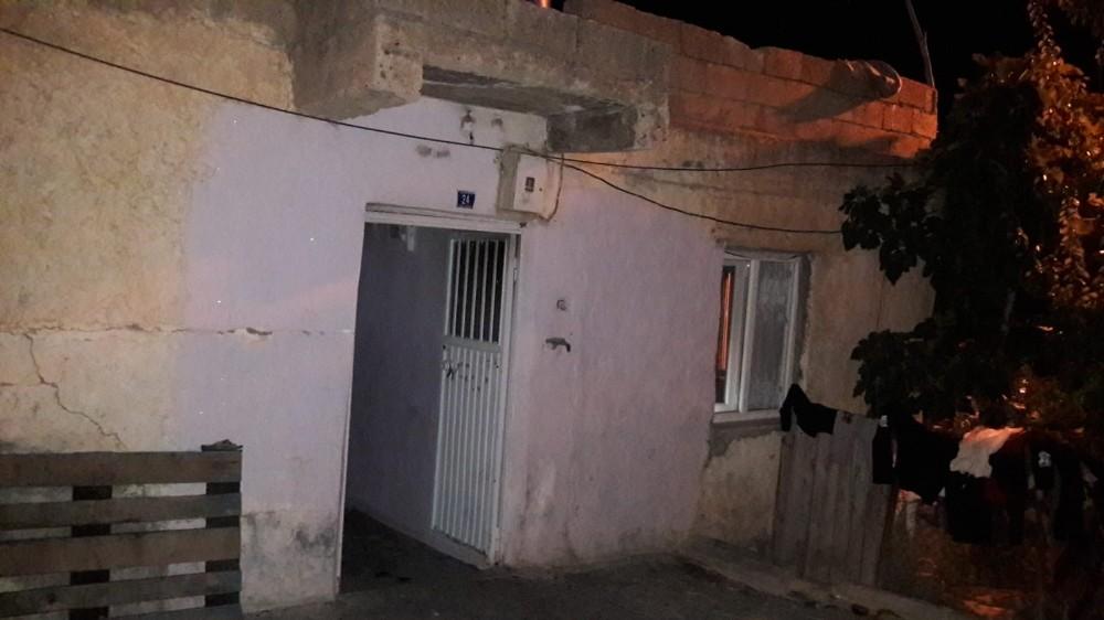 Siirt'te evi yanan aileye valilik yardım eli uzattı