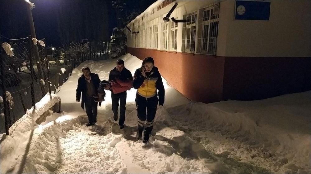 Siirt'te hasta çocuğa 8 saatte ulaşıldı
