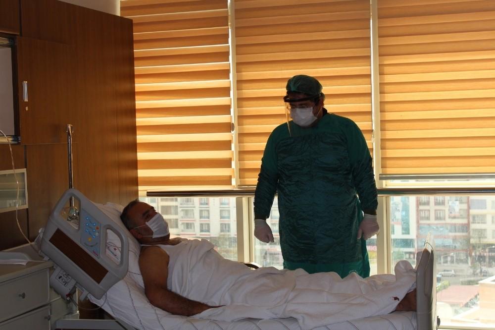 Siirt'te immun plazma tedavisi uygulanan korona virüs hastası gözlerini açtı