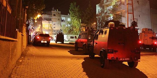 Siirt'te polis lojmanlarına el bombalı saldırı!