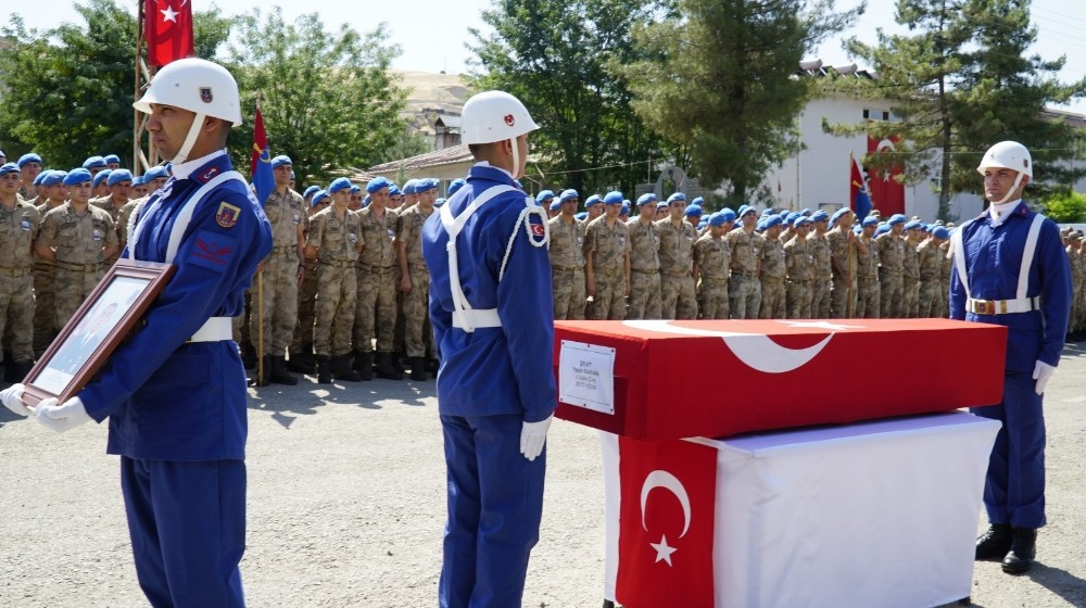 Siirt'te şehit asker için tören düzenlendi