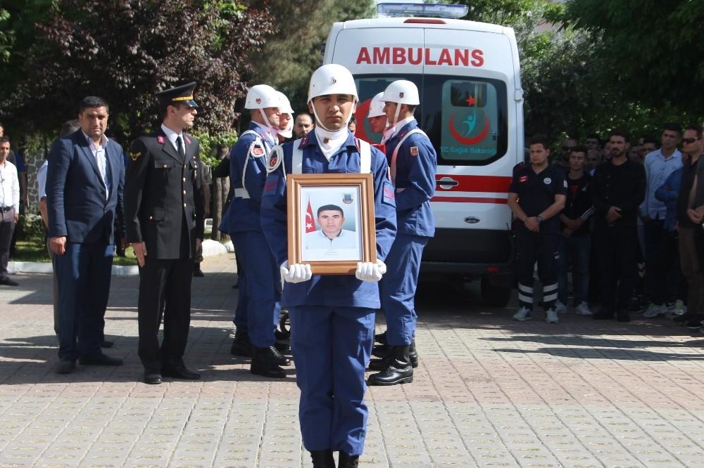 Siirt'te şehit güvenlik korucusu için tören düzenlendi